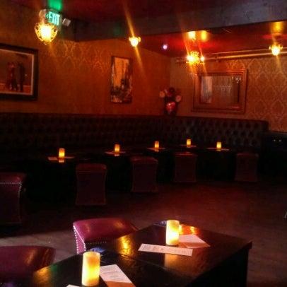 Foto tomada en Seventy7 Lounge por Audrey H. el 7/4/2012