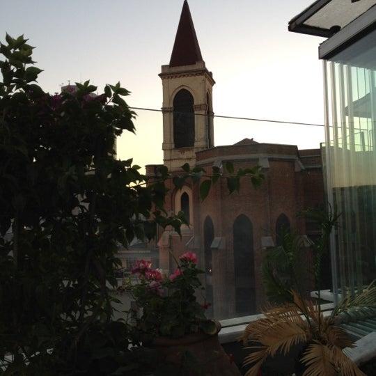 Foto scattata a Zoe da Fatih C. il 6/19/2012