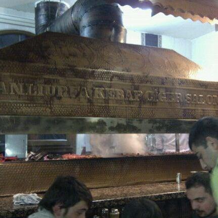 Das Foto wurde bei Mehmet Usta Kebap ve Ciğer Salonu von Aykut A. am 3/24/2012 aufgenommen