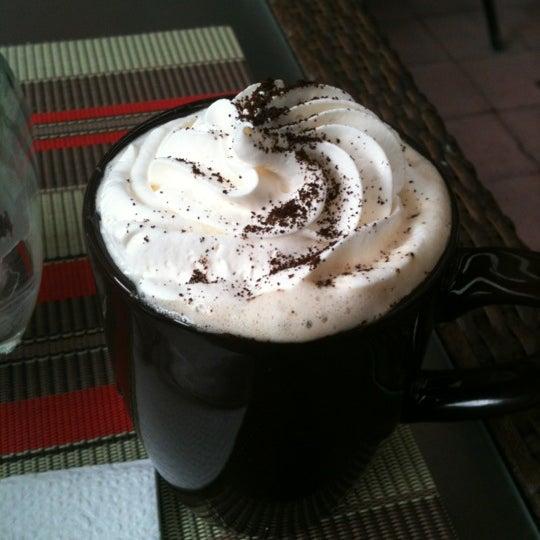 Das Foto wurde bei Kofetárica Café von Jatzii M. am 6/16/2012 aufgenommen