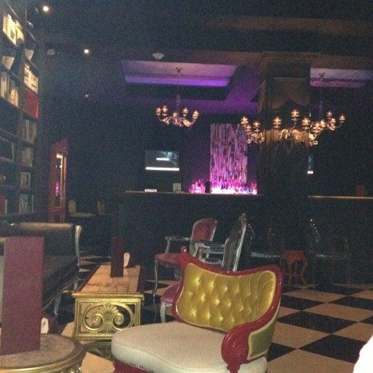 Foto tomada en The Lady Silvia Lounge por Joel L. el 7/23/2012