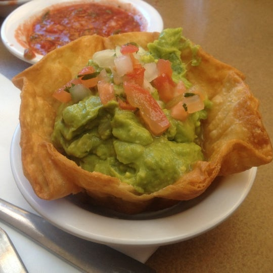 รูปภาพถ่ายที่ Cafe Coyote โดย Jeff B. เมื่อ 6/27/2012