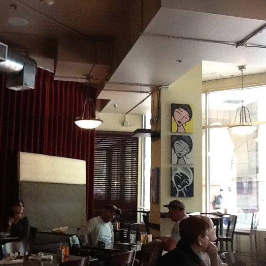 5/5/2012 tarihinde Ricardo G.ziyaretçi tarafından Appaloosa Grill'de çekilen fotoğraf