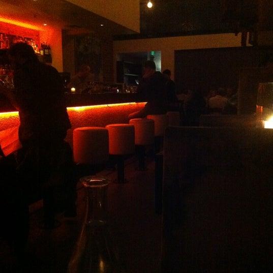 รูปภาพถ่ายที่ Oola Restaurant & Bar โดย Kingsley H. เมื่อ 9/7/2012