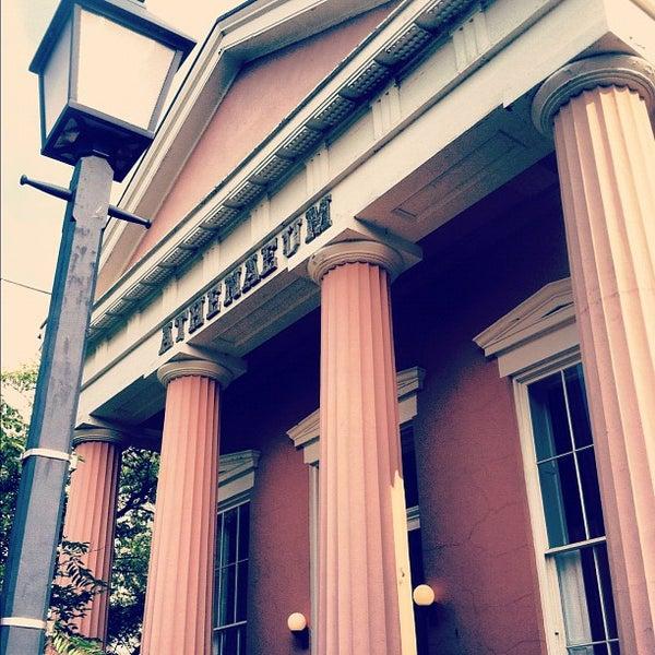 Снимок сделан в AthenaeumNVFAA пользователем Joseph P. 7/10/2012