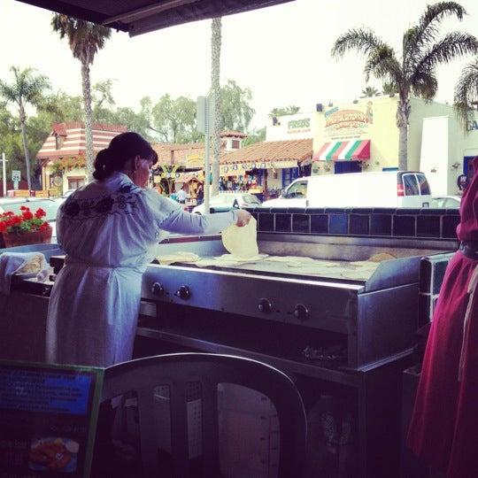 รูปภาพถ่ายที่ Cafe Coyote โดย Ryan S. เมื่อ 4/25/2012