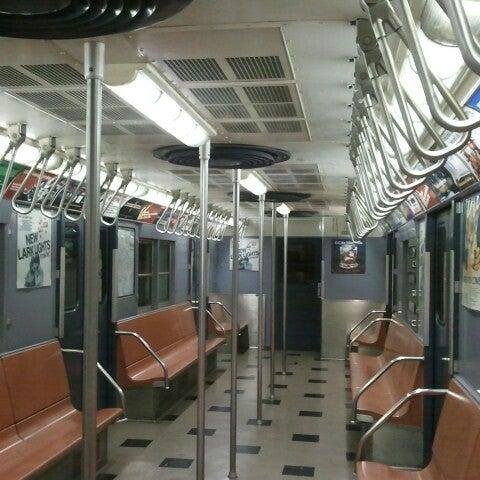 รูปภาพถ่ายที่ New York Transit Museum โดย NYCphotos เมื่อ 7/22/2012