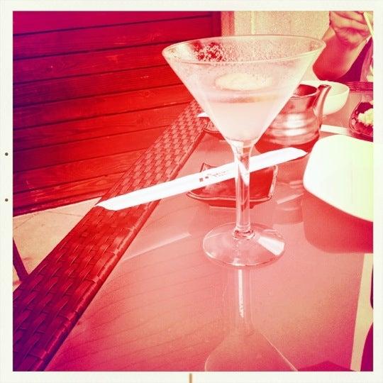 Das Foto wurde bei Mura Japanese Restaurant von Caroline H. am 4/17/2012 aufgenommen