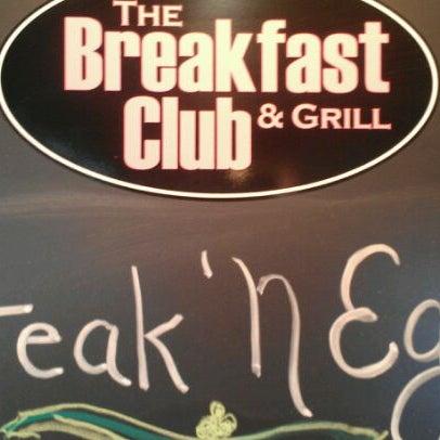 Foto diambil di The Breakfast Club & Grill oleh Edward A. pada 3/22/2012
