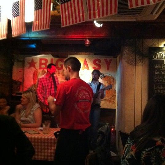 Foto tirada no(a) Big Easy Bar.B.Q & Crabshack por Jennifer H. em 7/4/2012