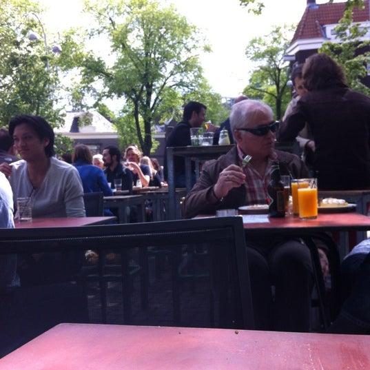 Das Foto wurde bei Winkel 43 von Rieta A. am 5/13/2012 aufgenommen