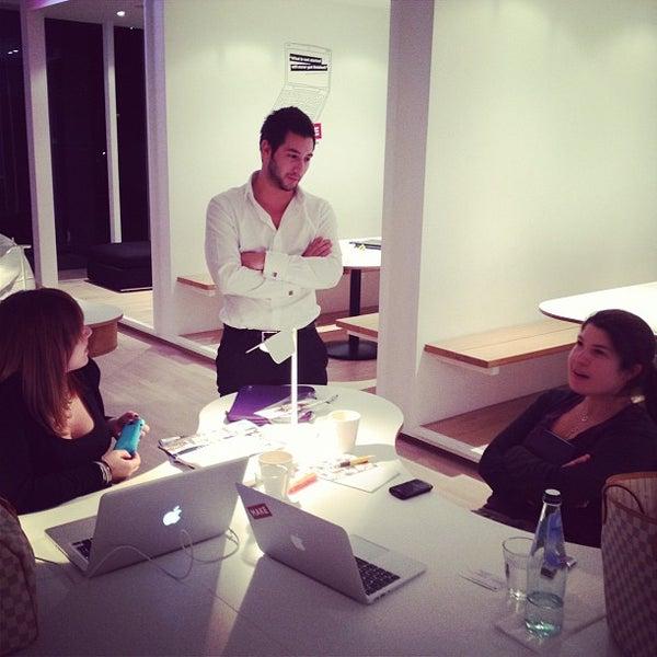 รูปภาพถ่ายที่ MAKE Business Hub โดย Mohamed Parham A. เมื่อ 2/16/2012