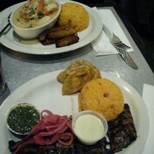รูปภาพถ่ายที่ Cafecito โดย Tade O. เมื่อ 2/29/2012