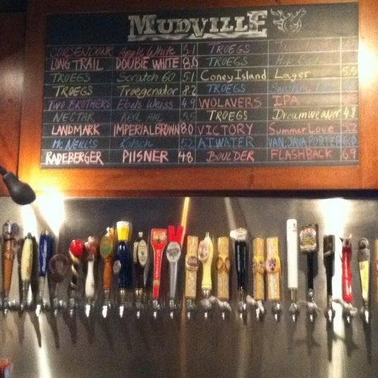 Photo prise au Mudville Restaurant & Tap House par Sue C. le5/26/2012