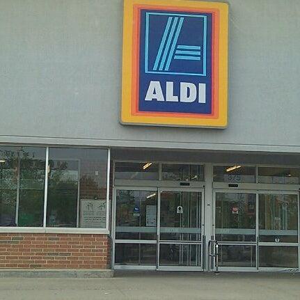 Aldi Grocery Store In Hoffman Estates