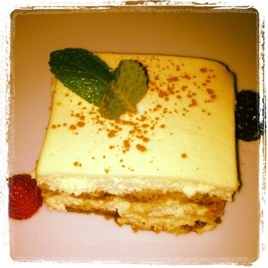 Foto tirada no(a) Cucina Asellina por Wendy H. em 6/27/2012