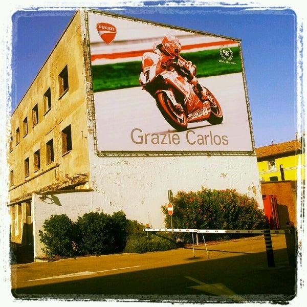 7/17/2012 tarihinde Andrea F.ziyaretçi tarafından Ducati Motor Factory & Museum'de çekilen fotoğraf
