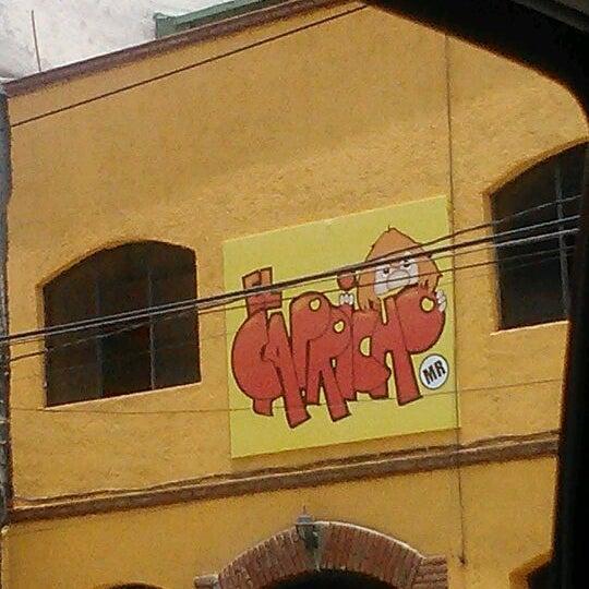 Das Foto wurde bei Tortas El Capricho von Gina A. am 6/4/2012 aufgenommen