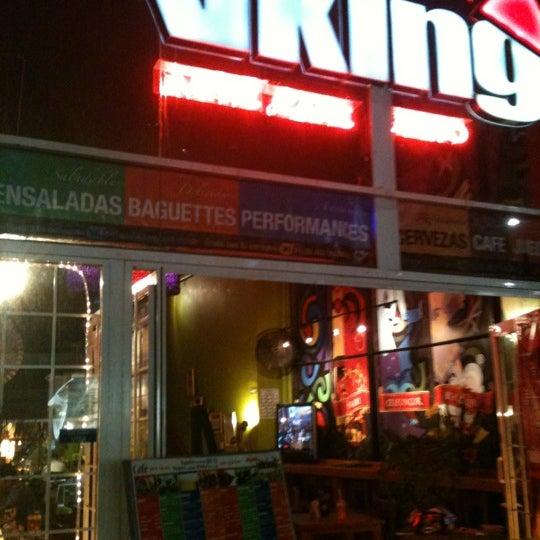 Foto tirada no(a) Viking - Arte Café Punto Zero por Israel A. em 6/27/2012