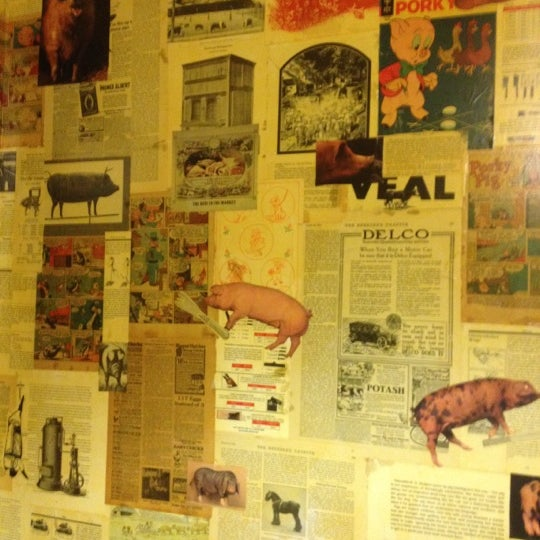 Barbecue tapas. Gourmet. Excellent. Make sure you check out the bathrooms. Very cool.