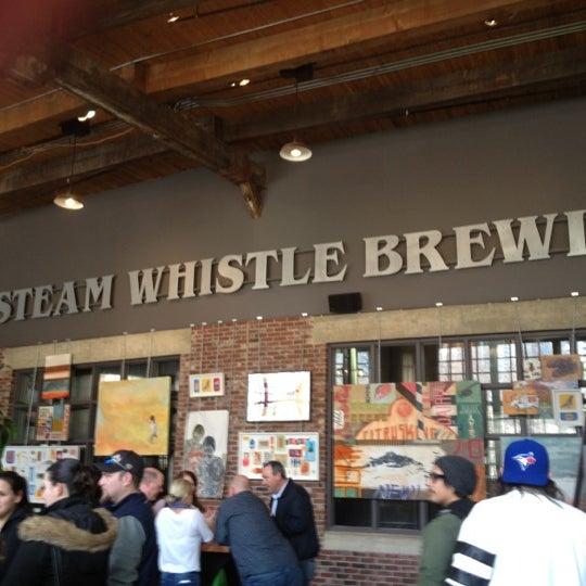 4/11/2012 tarihinde Megan H.ziyaretçi tarafından Steam Whistle Brewing'de çekilen fotoğraf