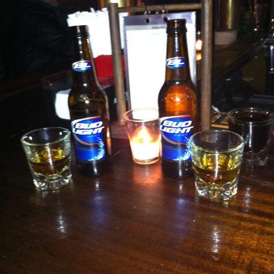 Foto tomada en Fourth Avenue Pub por Audrey R. el 4/19/2012
