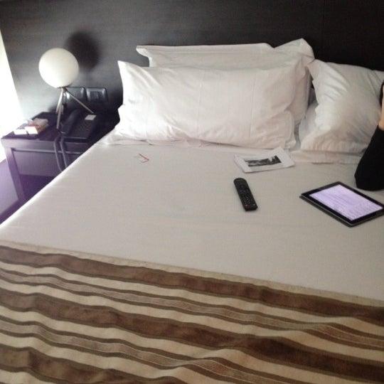 Foto diambil di My Suites Boutique Hotel & Wine Bar Montevideo oleh Claudio L. pada 6/18/2012