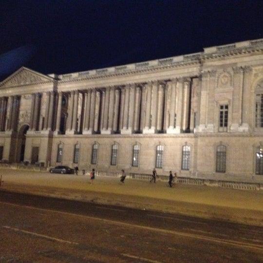 Foto tomada en Le Louvre Ripaille por Mohamed S. el 8/17/2012