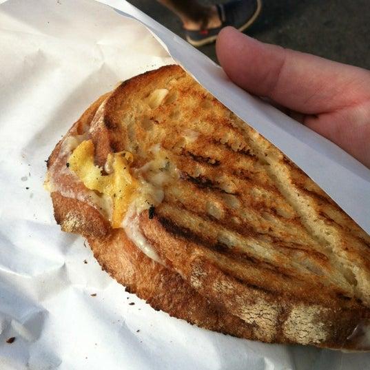 Das Foto wurde bei Beecher's Handmade Cheese von Andy M. am 9/11/2012 aufgenommen