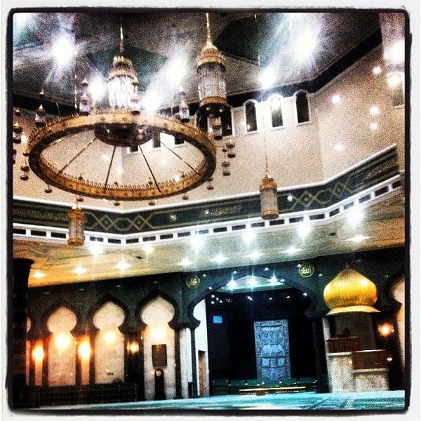 9/1/2012 tarihinde Addie H.ziyaretçi tarafından Masjid Al-Ameerah Al-Hajjah Maryam, Kg Jerudong'de çekilen fotoğraf