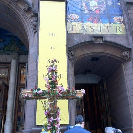 Foto diambil di Fifth Avenue Presbyterian Church oleh MaRiNi🌷 A. pada 4/8/2012