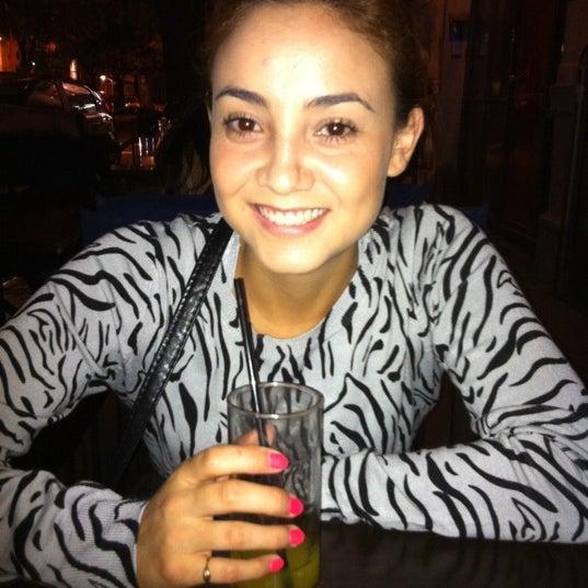 Снимок сделан в Sugar Bar пользователем Linnette Carolina G. 3/21/2012