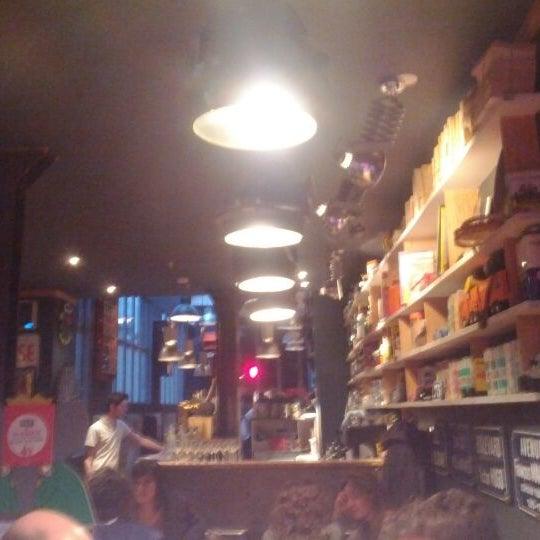 Das Foto wurde bei Le Club des 5 von Axel am 4/25/2012 aufgenommen