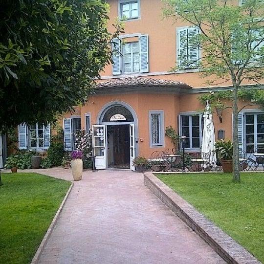 Das Foto wurde bei Hotel Vannucci von Elly L. am 5/21/2012 aufgenommen