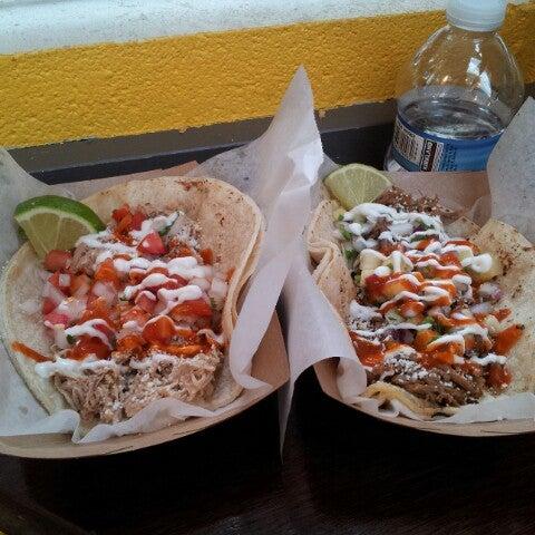Снимок сделан в Brooklyn Taco Company пользователем Brian Christopher 6/27/2012