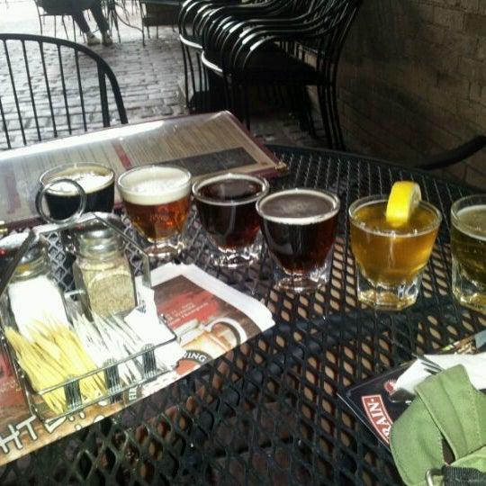 รูปภาพถ่ายที่ Firehouse Brewing Company โดย Patrick M. เมื่อ 5/17/2012