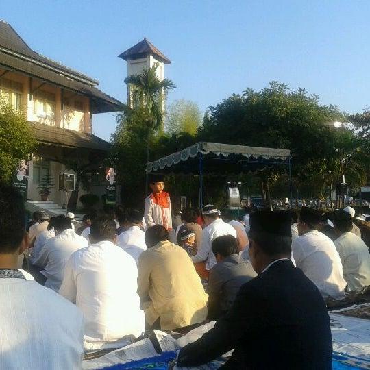 Das Foto wurde bei Jogja Expo Center (JEC) von Budi Y. am 8/18/2012 aufgenommen