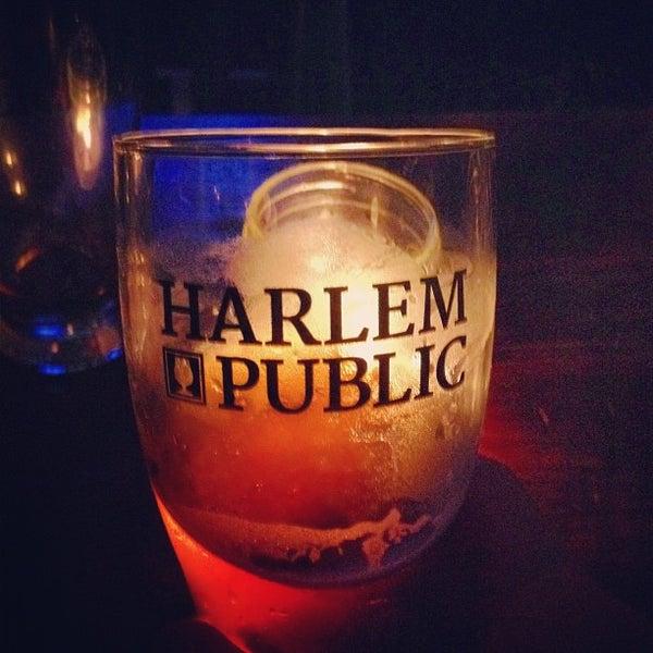 รูปภาพถ่ายที่ Harlem Public โดย Gerald S. เมื่อ 9/10/2012