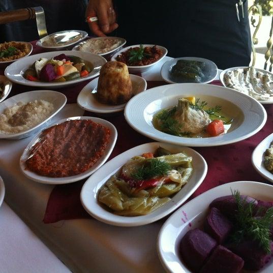 3/27/2012에 Valera N.님이 Ramazan Bingöl Et Lokantası에서 찍은 사진
