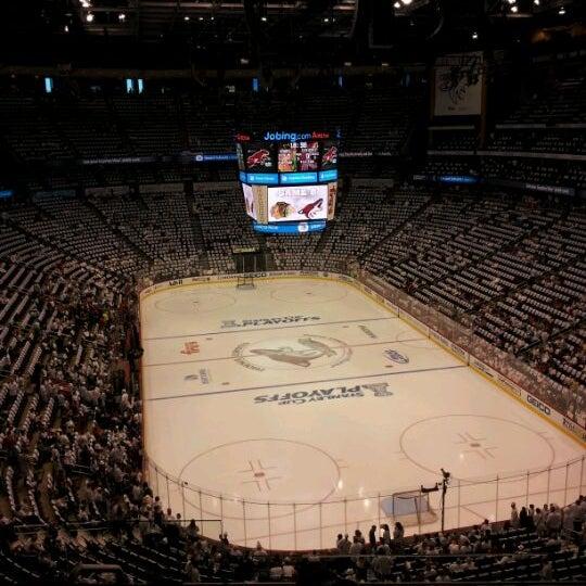 4/22/2012 tarihinde Nick C.ziyaretçi tarafından Gila River Arena'de çekilen fotoğraf