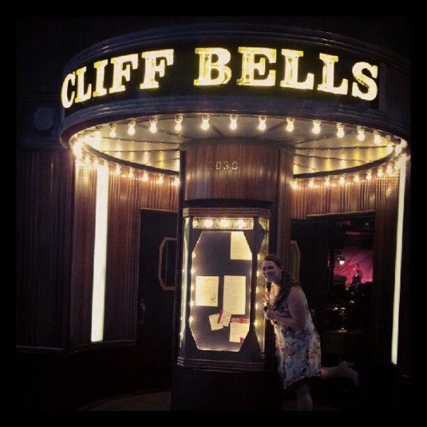 Photo prise au Cliff Bell's par Mays O. le8/10/2012