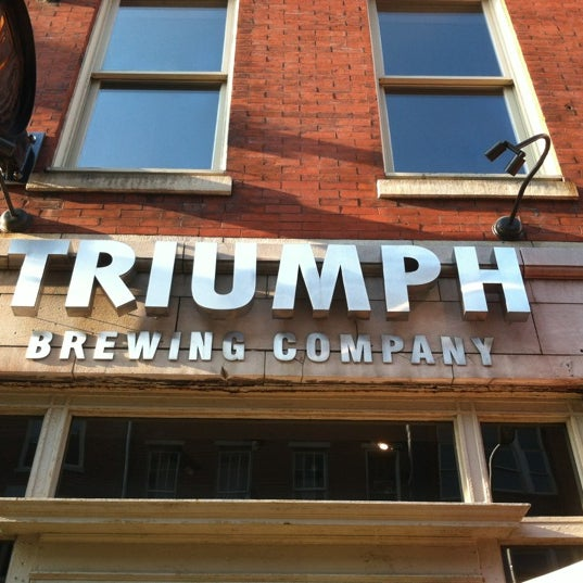 8/16/2012 tarihinde Kate S.ziyaretçi tarafından Triumph Brewing Company'de çekilen fotoğraf