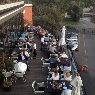 Foto tirada no(a) Ресторан & Lounge «Река» por Sergey G. em 8/9/2012