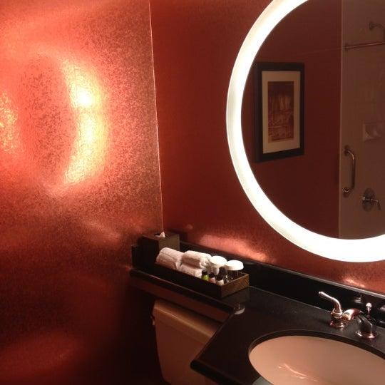 4/4/2012 tarihinde Scotziyaretçi tarafından MileNorth, A Chicago Hotel'de çekilen fotoğraf