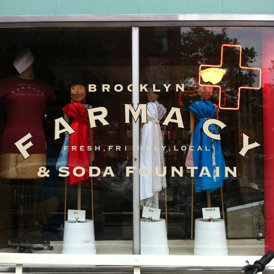 Foto scattata a Brooklyn Farmacy & Soda Fountain da Carlo C. il 6/30/2012