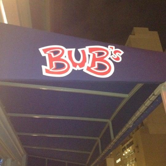 รูปภาพถ่ายที่ Bub's at the Ballpark โดย Kira F. เมื่อ 2/14/2012