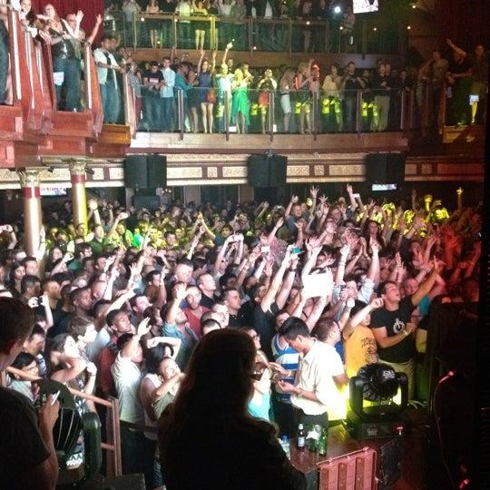Photo prise au Opera Nightclub par Will L. le6/17/2012