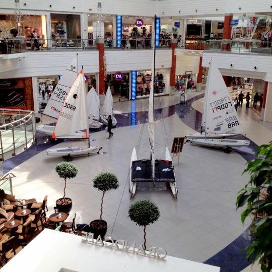 Снимок сделан в Floripa Shopping пользователем Ricardo Mais B. 4/17/2012