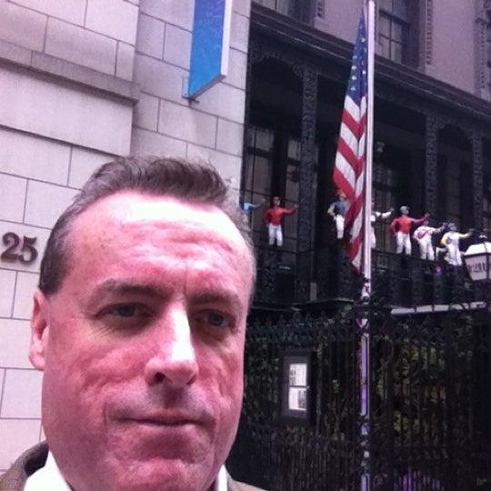 รูปภาพถ่ายที่ 21 Club โดย Lee B. เมื่อ 5/3/2012