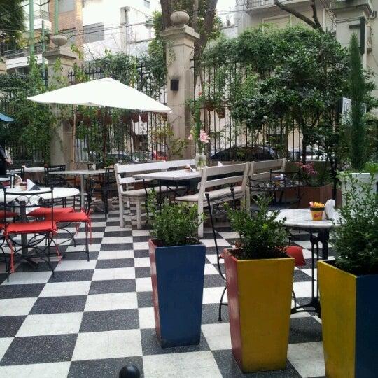 Foto scattata a Museo Evita Restaurant & Bar da Pablo M. il 6/10/2012